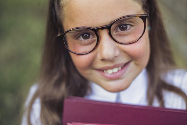girl-with-brown-eyes-glasses-looking-smiling-cheerful-happy-eyewear-smart-eyeglasses_23-2147879238